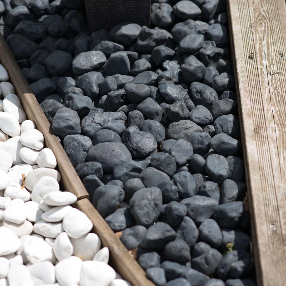 5 bolsas de piedras negras de 20 kg for Piedras negras para jardin
