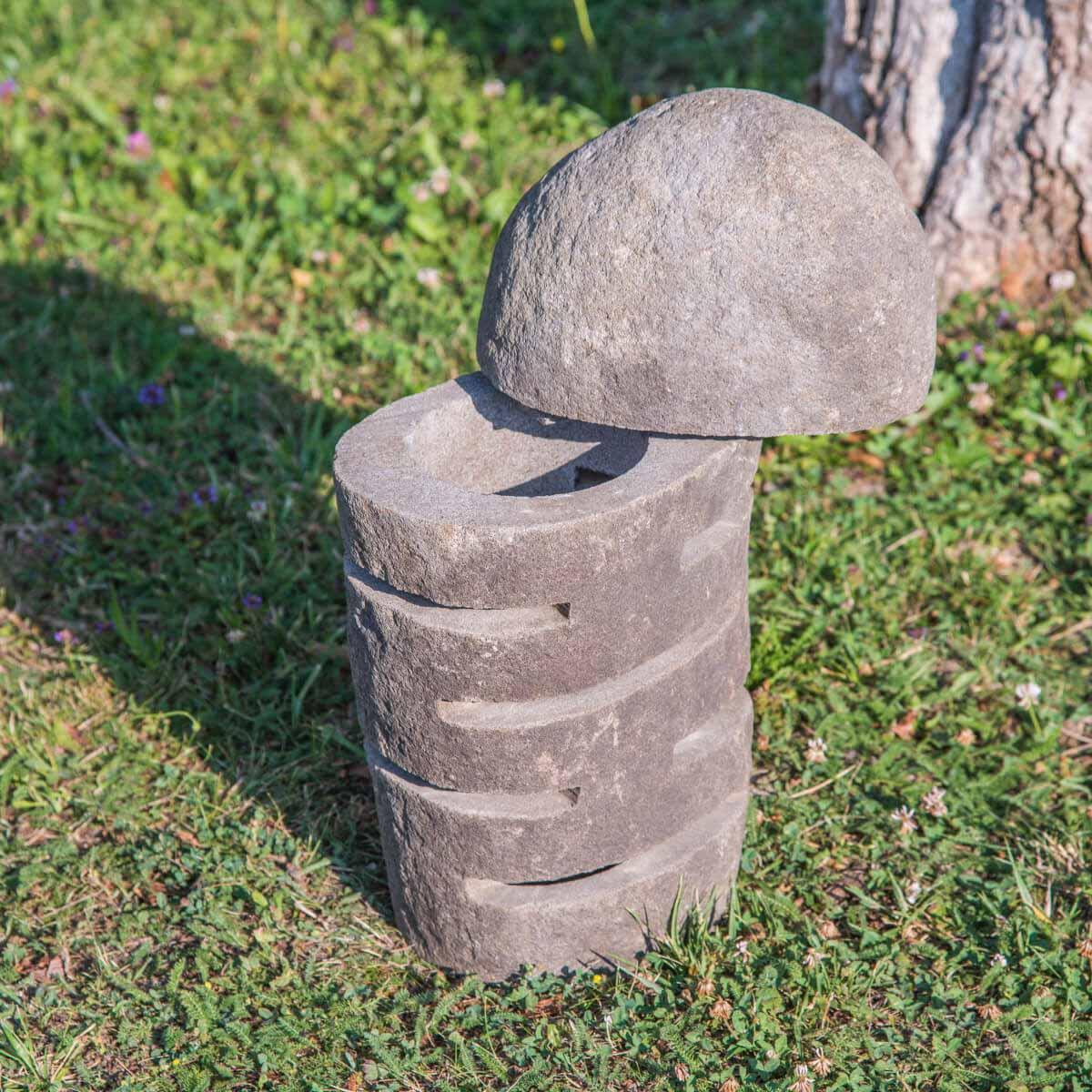 L mpara de piedra de r o para jard n 50 for Piedras de rio para jardin